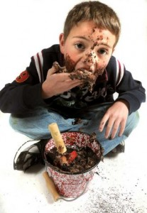 kids eat dirt